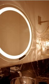 C937- Le Cirque - back-lit mirror: Design by Tihany Design, Lighting Design by Focus Lighting